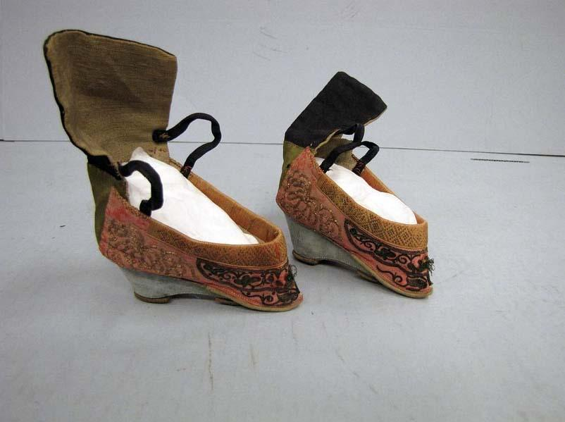 Slippers for bound feet, 1900