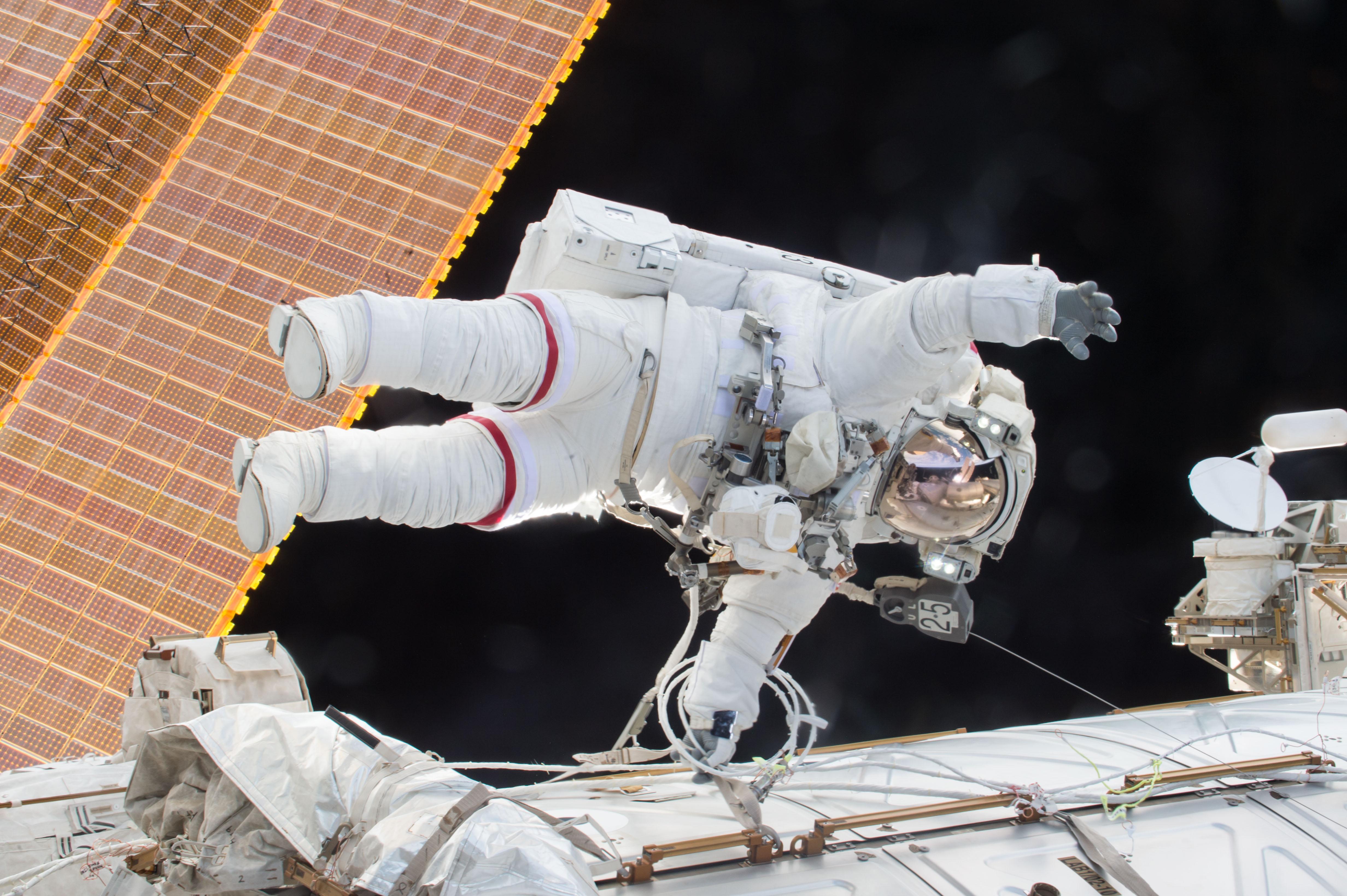 Kelly made an unplanned spacewalk