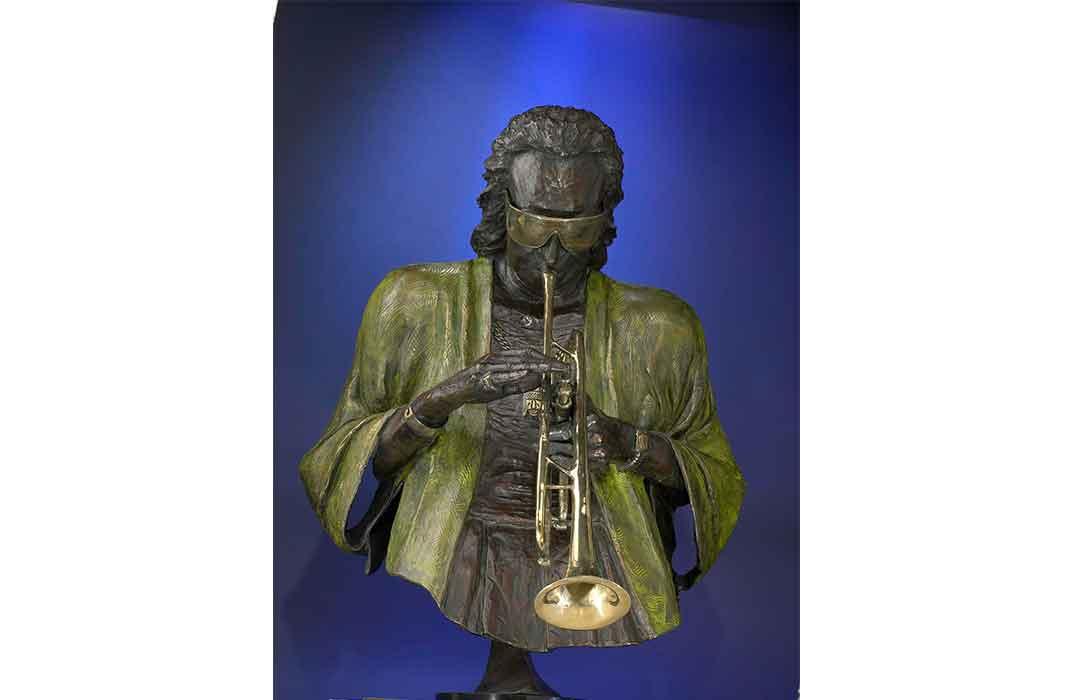 Miles Davis, bronze sculpture