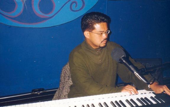 Pianist Theo Gonzalves
