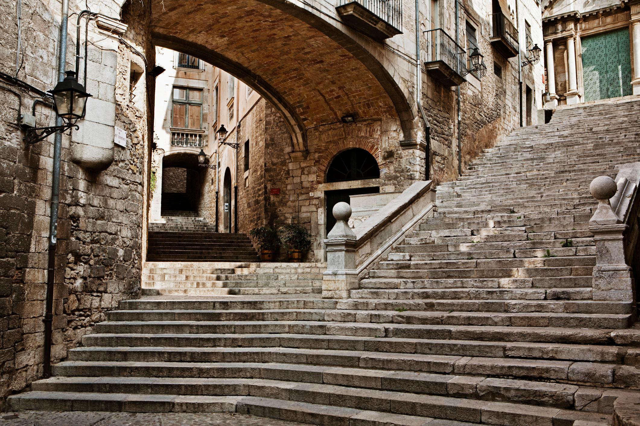 Girona Jewish Quarter-iStock-612631704 (1).jpg