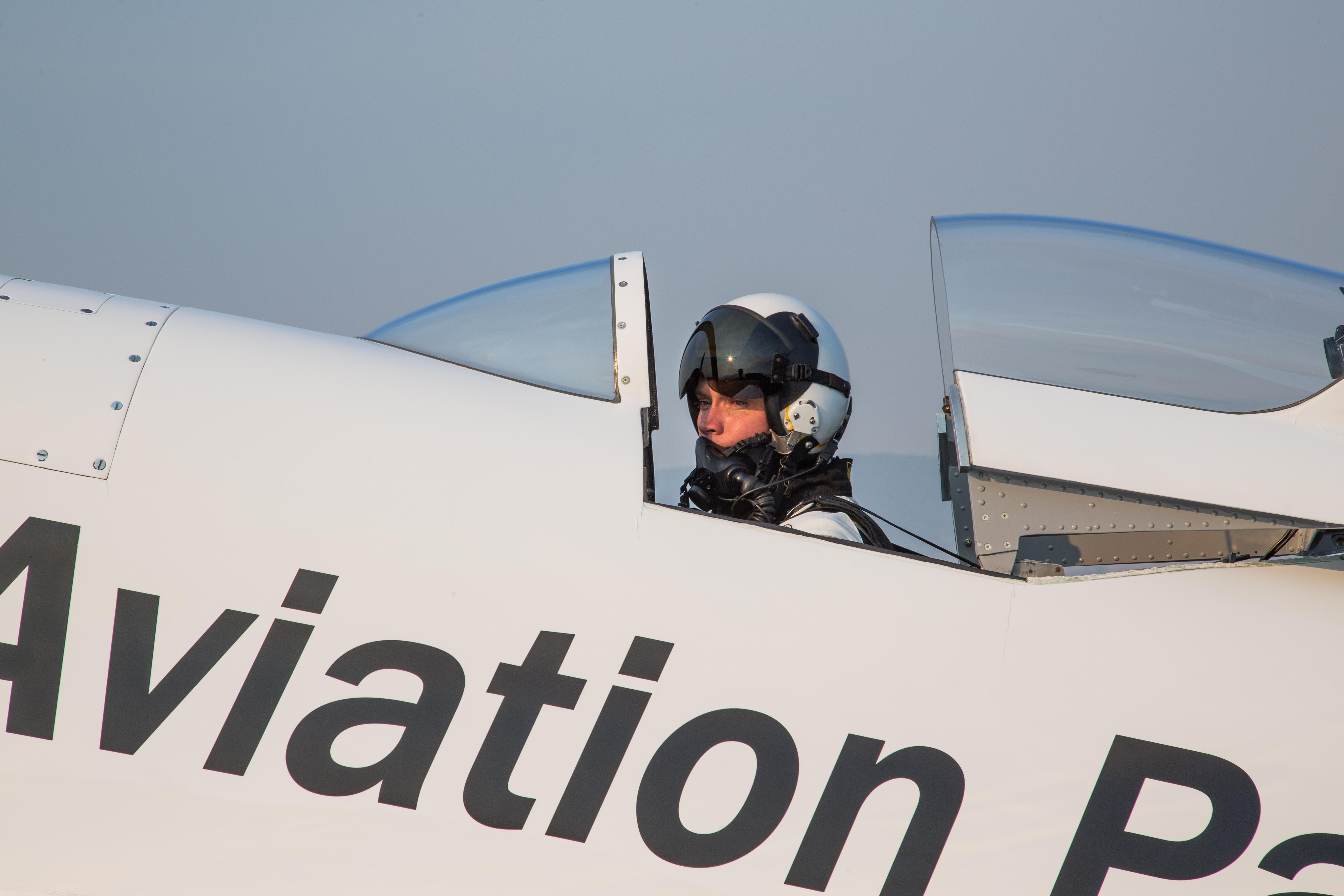 Pilot Steve Hinton