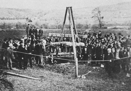 Cardiff_giant_exhumed_1869.jpg