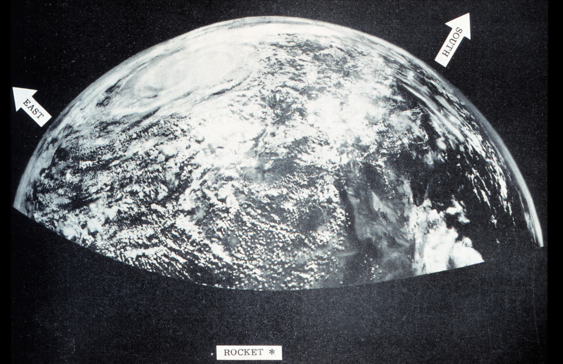 https://public-media.smithsonianmag.com/filer/7a/ec/7aecee2e-a030-4d75-9747-177fbdce2c21/viking_image_of_earth_1954.jpg