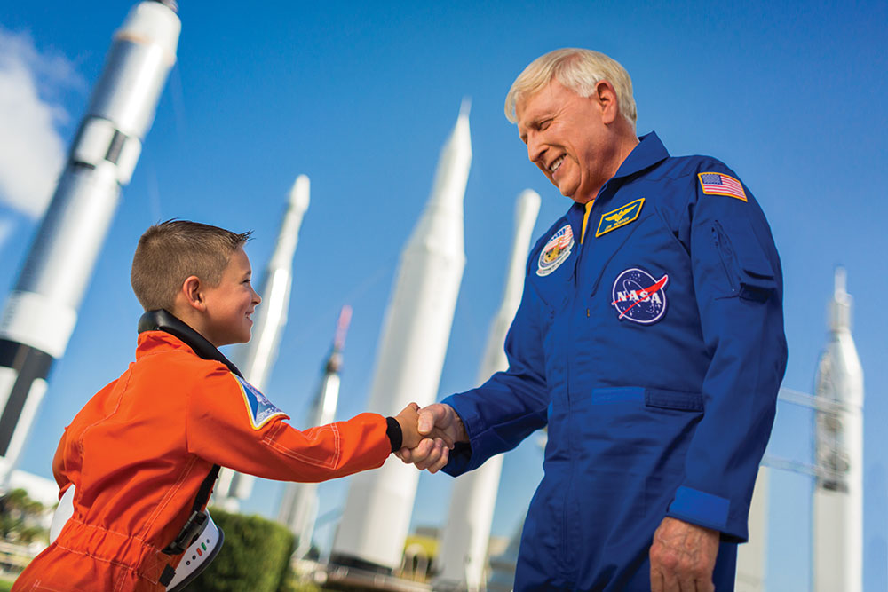 13_astronaut_handshake_cam9350edit12_cmyk_resize.jpg