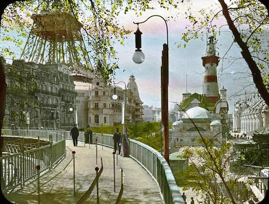 The 1900 Paris Expo's moving sidewalk