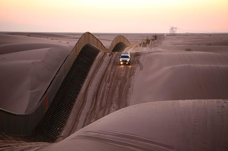 Border wall in the Dunes
