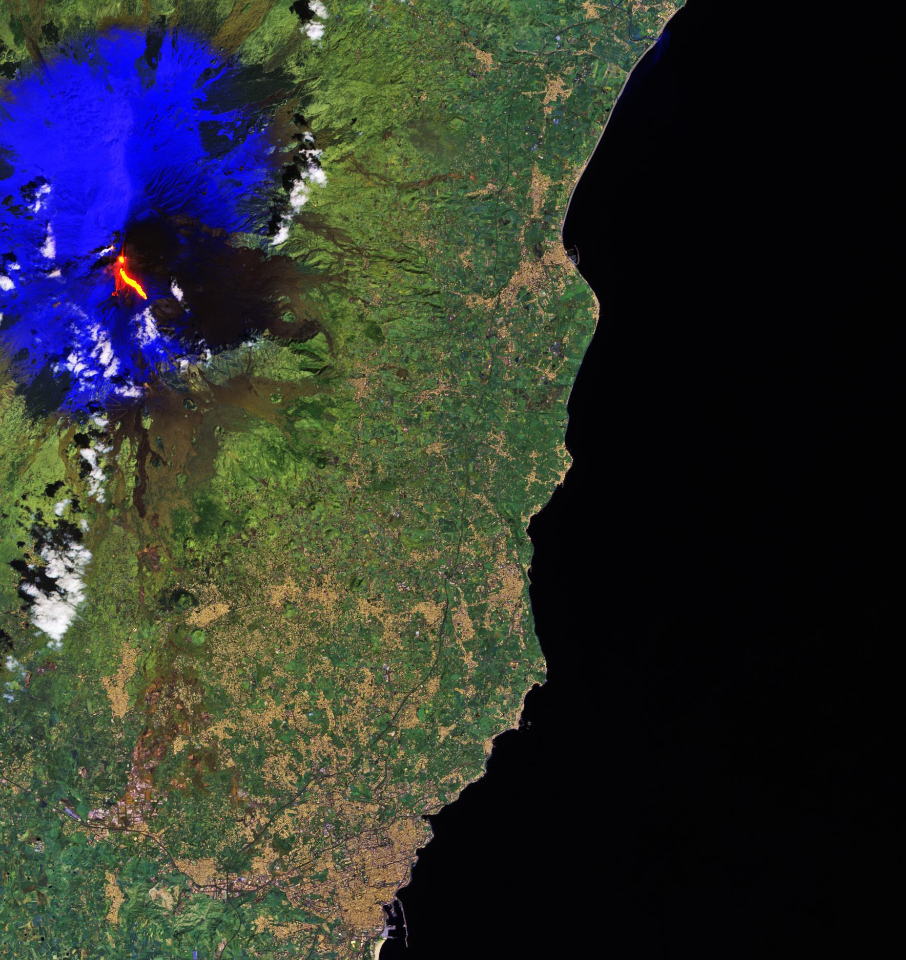 Etna_erupts.jpg