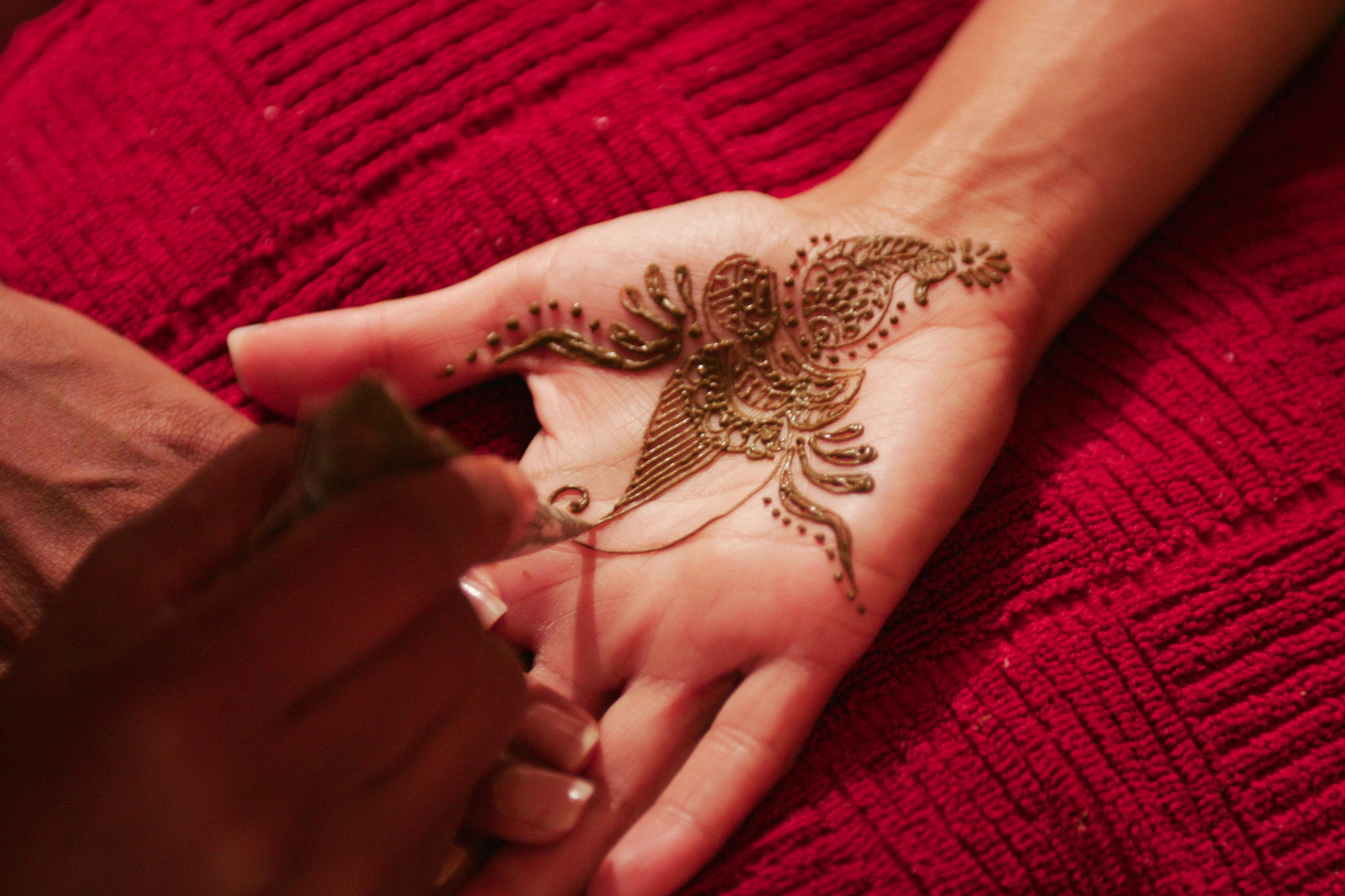 Mehndi Henna Buy : A quest to master the art of henna travel smithsonian