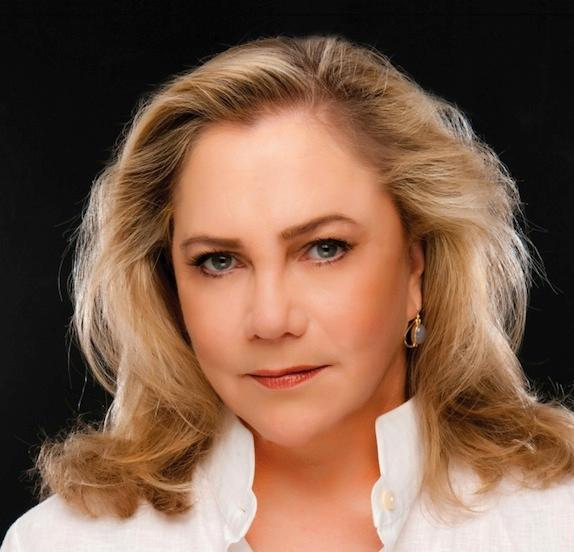 Academy Award and Tony Award nominee Kathleen Turner