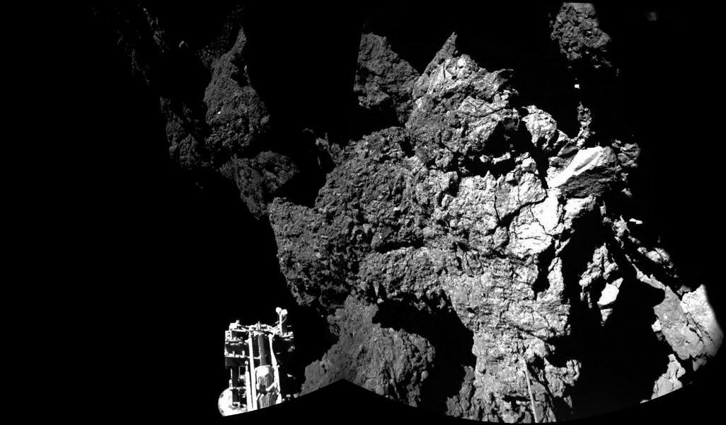 Philae on comet.jpg