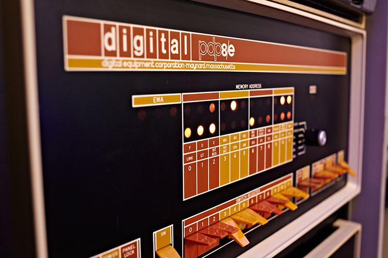 DEC-PDP-8e.jpg