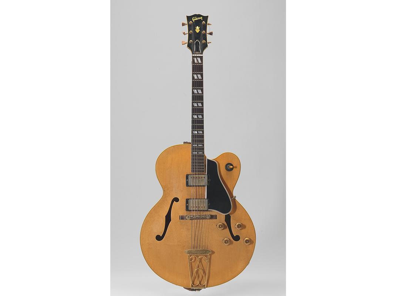 Chuck Berry, guitar